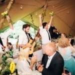 quirky ways to entertain your guests at your wedding